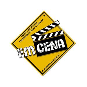 EM CENA